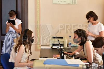 6279578 / Приемная комиссия. Уральский федеральный университет открывает прием документов. Приемная комиссия.