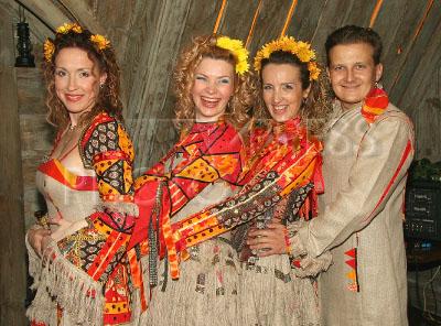 golaya-elena-smirnova-balagan-limited