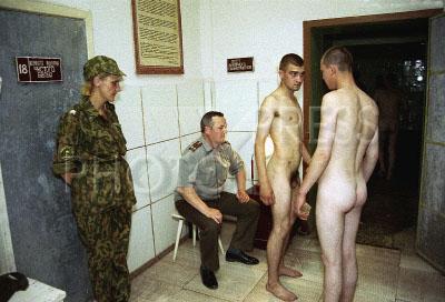 хотя взвод порно на медосмотре в армии подкашивались голове